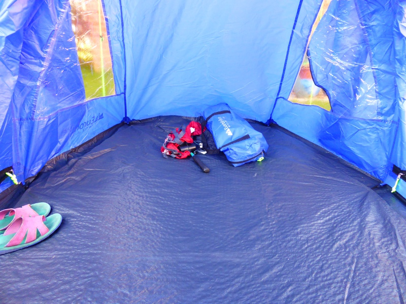 I like that all the zips have a little neon yellow tag attached u2013 a teeny-tiny luxury that my fifteen-year-old tent doesnu0027t have. & The new tent - I Am a Polar Bear